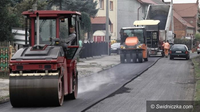 Wierzbna: Ulica Świdnicka w Wierzbnej w remoncie