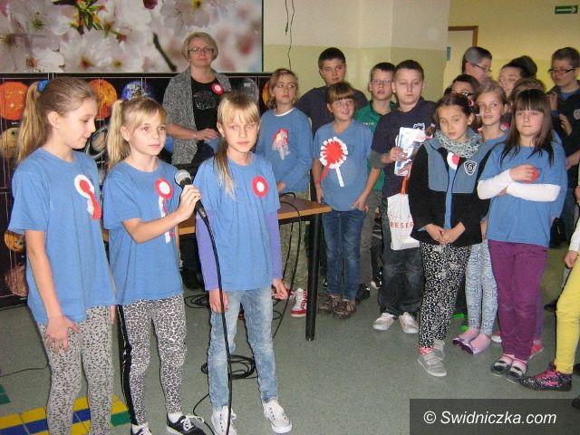 """Świdnica: Projekt """"Barwy niepodległości"""" realizowany w SP 6"""