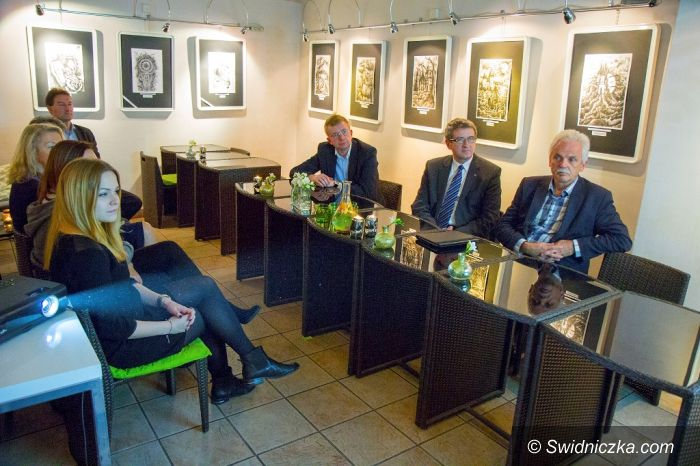 Świdnica: Minister Huskowski: Podoba mi się pomysł świdnickiej młodzieży