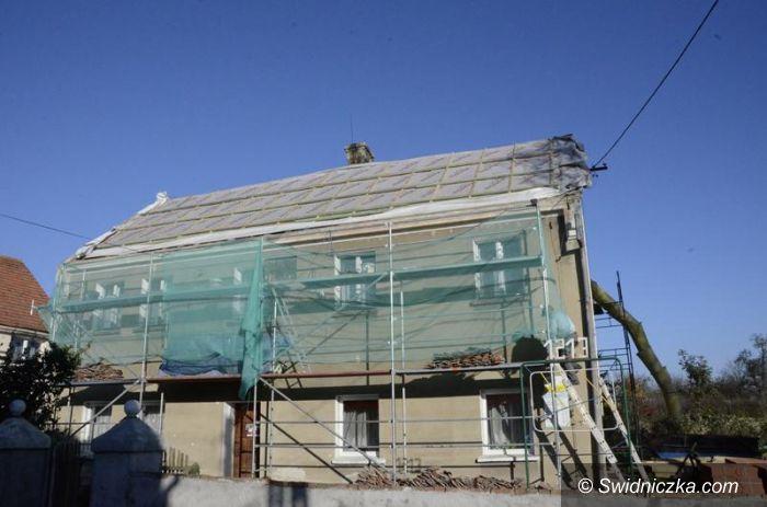 Siedlimowice: Dach do remontu