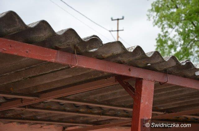 Strzegom: Złóż deklarację na usunięcie azbestu