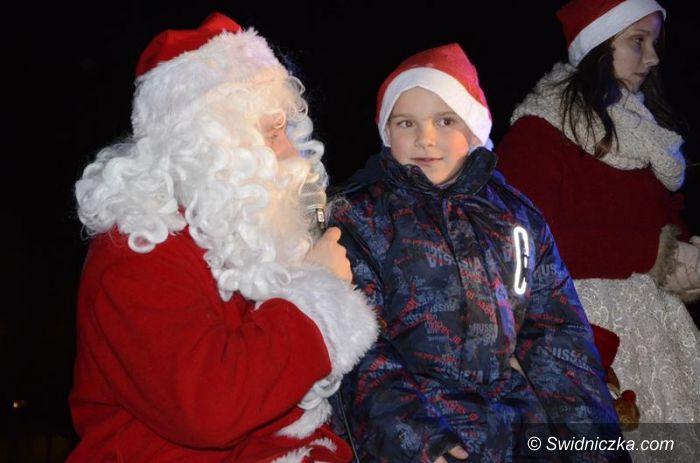 Żarów: Mikołajowie opanowali Żarów