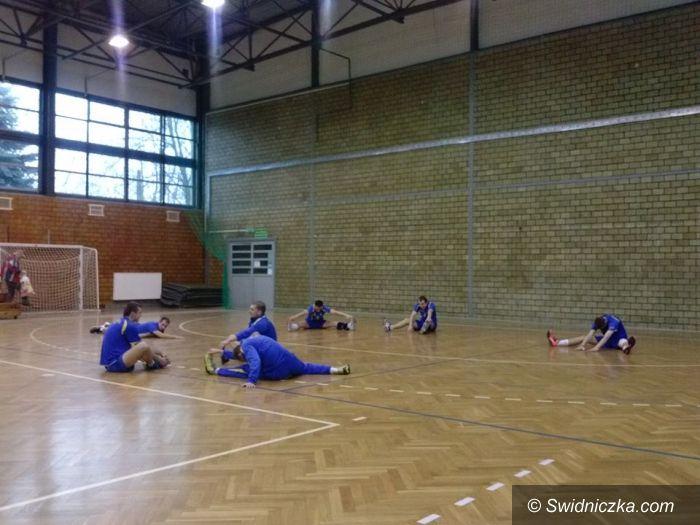 III-liga siatkarzy: Zacięty mecz dla siatkarzy Dekorii Świdnica