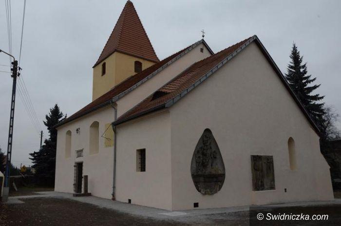 Łażany: Zabytkowy kościół po remoncie