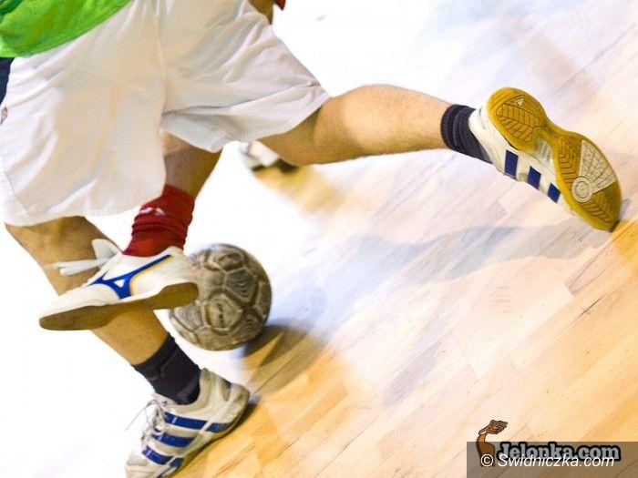 Świdnica: Grali piłkarze ze świdnickiej halówki