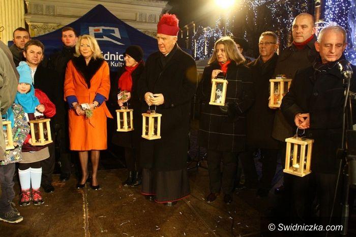 Świdnica: Świdniczanie życzyli sobie pogodnych świąt