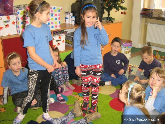 """Świdnica: Warsztaty szkoleniowe """"Ratujemy i uczymy ratować"""" dla klas młodszych"""