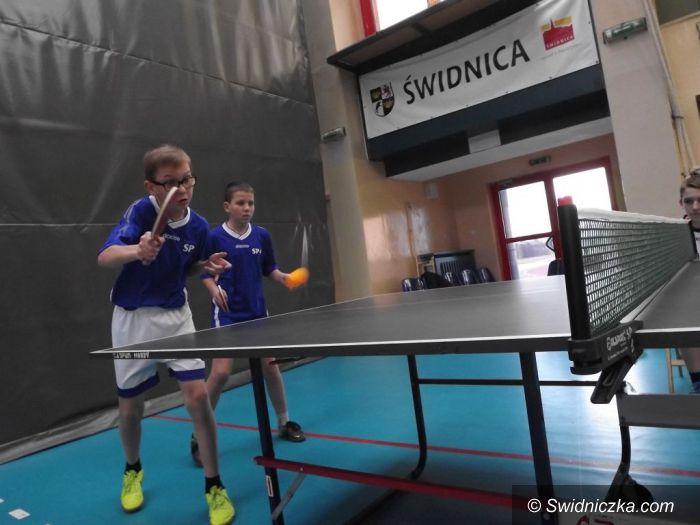Świdnica: Turnieje tenisa stołowego w SP 1