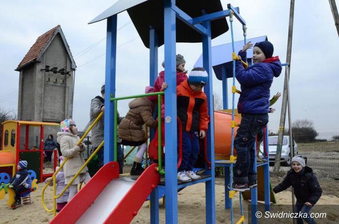 Zastruże: Nowy plac zabaw w Zastrużu już otwarty