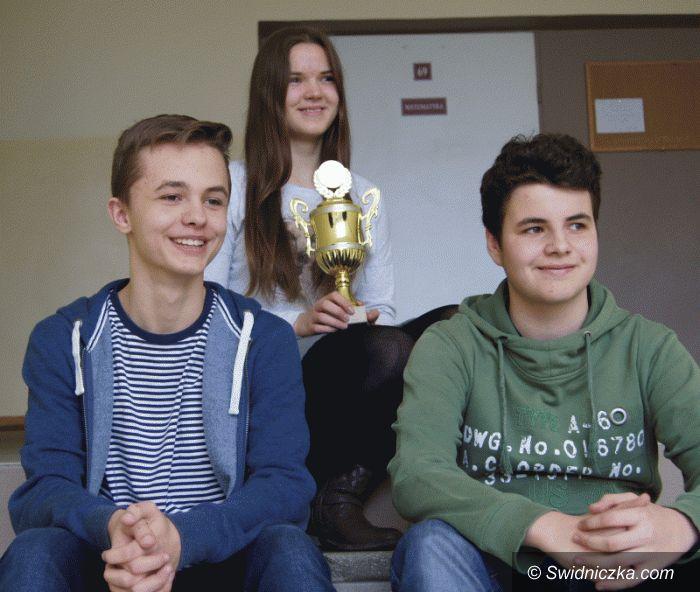 """Świdnica: Laureaci z Gimnazjum nr 1 w Międzypowiatowym Konkursie  Matematycznym """"Master Mind"""""""