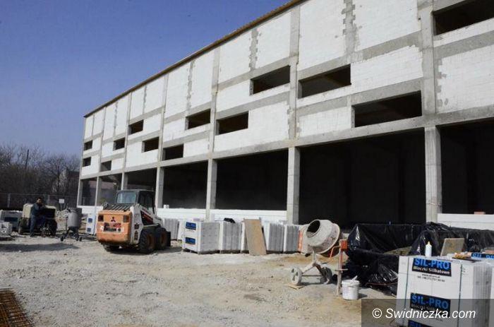 Żarów: Budowa basenu wkroczyła w kolejny etap