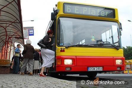 Świdnica: Przystanek autobusowy w kompleksie Centrum Przesiadkowego