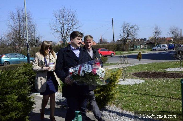 Żarów: Złożyli hołd ofiarom katastrofy Smoleńskiej