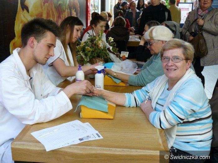 Świdnica: Tłumy mieszkańców na bezpłatnych badaniach profilaktycznych