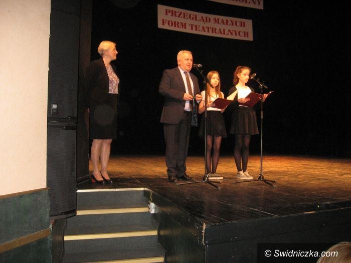 Świdnica: Protokół XIV Międzyszkolnego Przeglądu Małych Form Teatralnych zorganizowanego przez Szkołę Podstawową nr 105 w Świdnicy