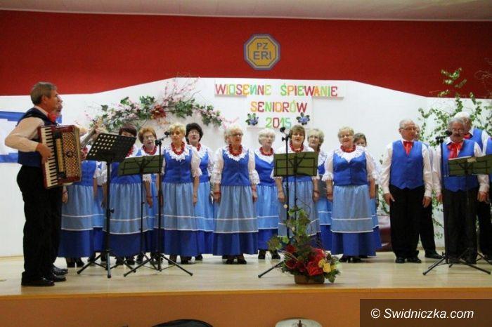 Świebodzice: Wiosenne śpiewanie seniorów 2015