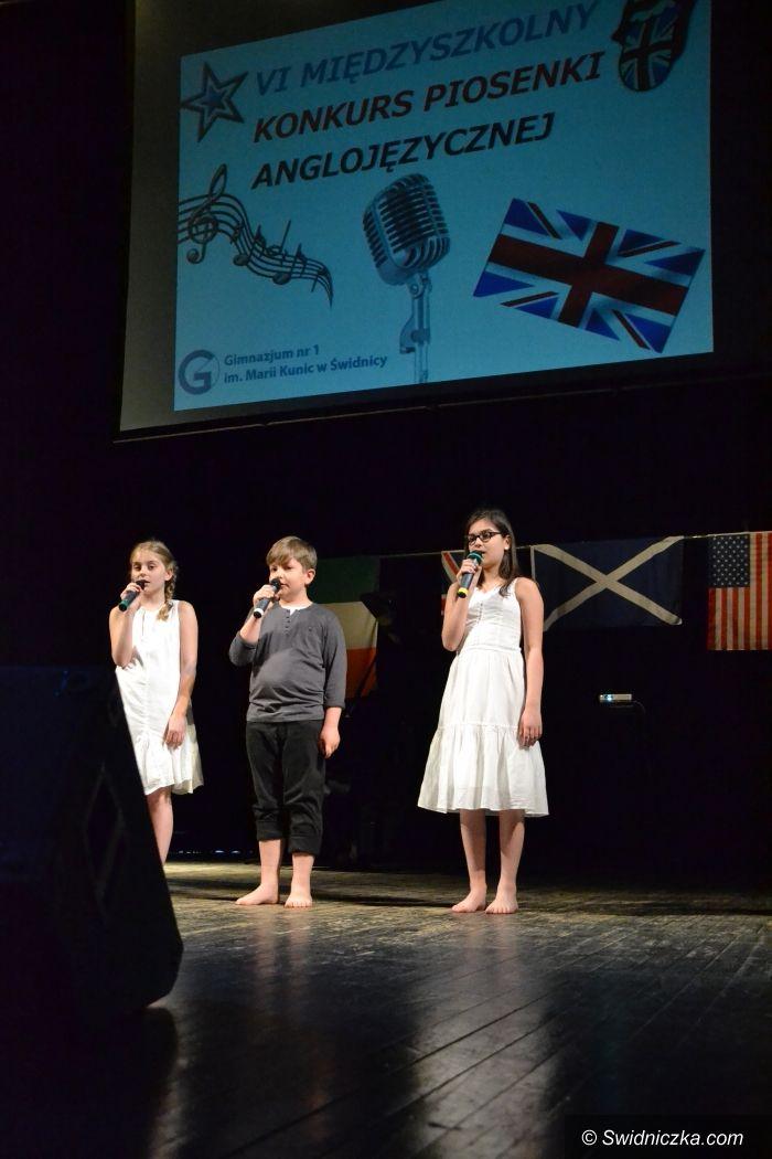 Świdnica: Miedzyszkolny konkurs piosenki angielskiej