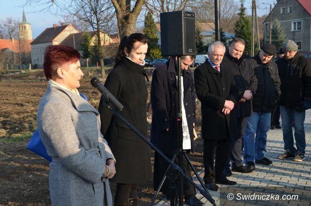 Marcinowice: Szczepanów ma nowy mostek i deptak