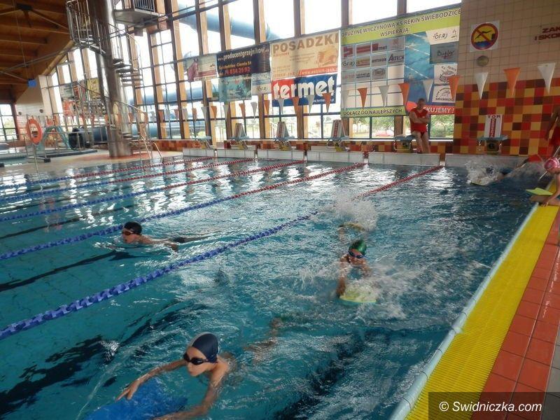 Świdnica: Kolejne dzieci nauczą się pływać