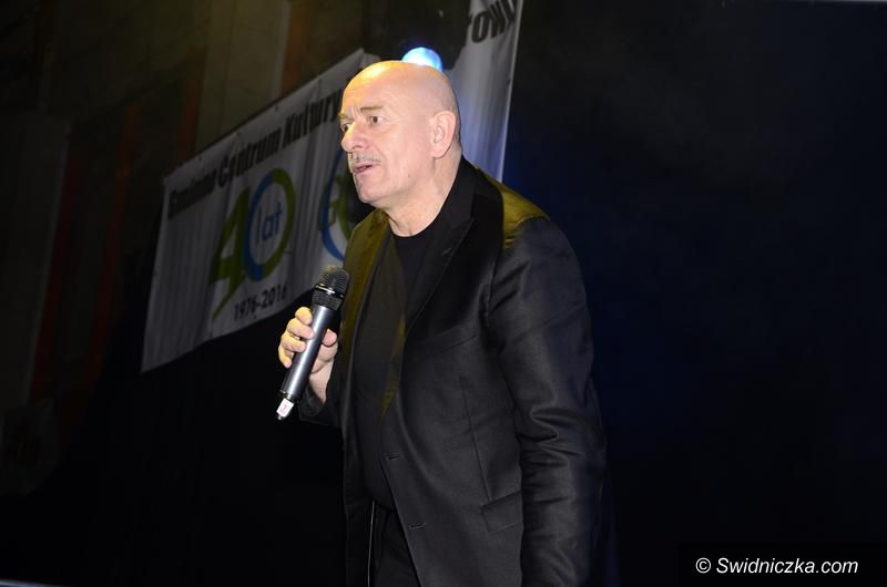 Żarów: Marcin Daniec rozbawił żarowską publiczność