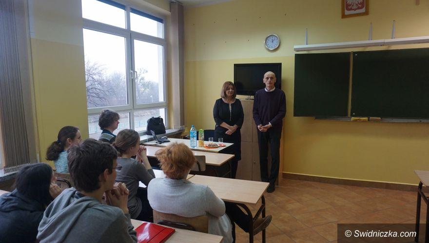 """Świdnica/Region: Prezydent Świdnicy gościem cyklu spotkań """"Z ciekawym człowiekiem"""""""