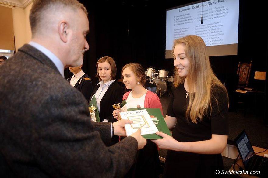 Wałbrzych: Gimnazjum nr 1 najlepsze w powiecie wałbrzyskim i świdnickim