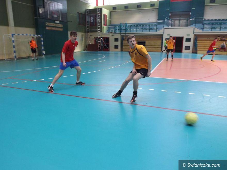 Świdnica: Halowa piłka nożna chłopców – gimnazja
