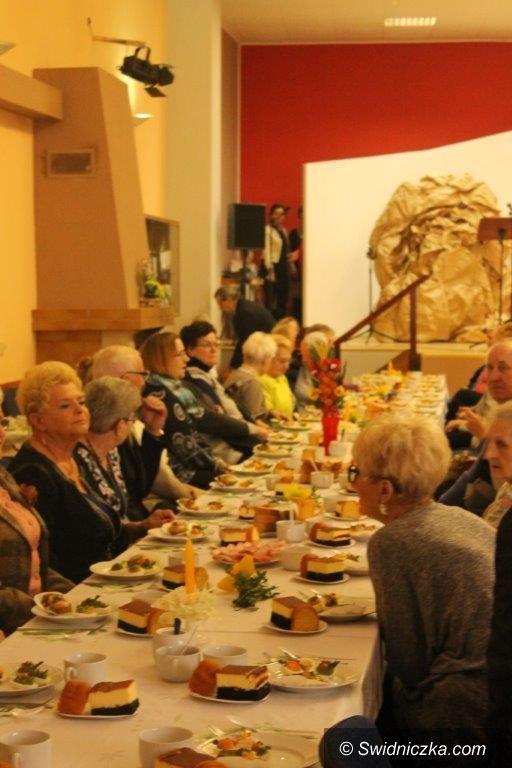 Świebodzice: Świąteczne spotkanie u seniorów