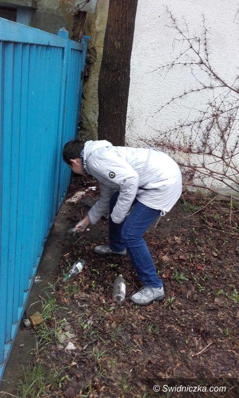 Strzegom: Uczestnicy warsztatu posprzątali gminę