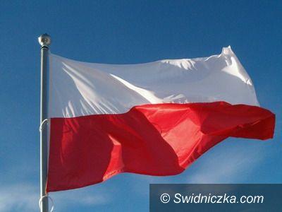 Świdnica/Region: 1000 flag wykonają mieskańcy Gminy Świdnica