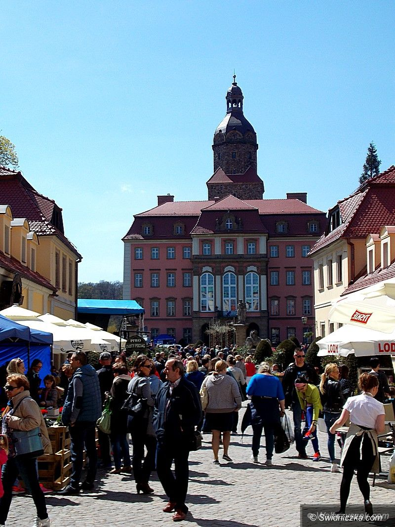 Wałbrzych: Trwa XXVIII Festiwal Kwiatów i Sztuki