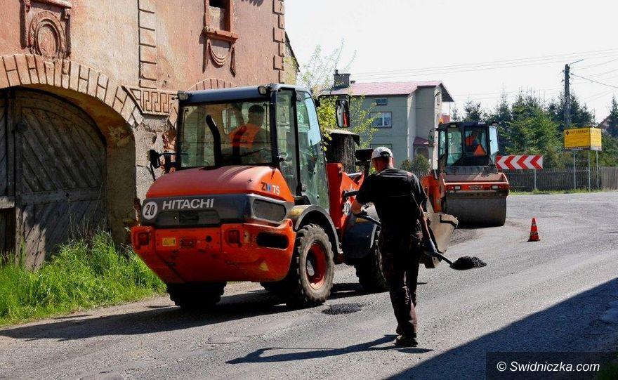 Świdnica: Remonty dróg powiatowych