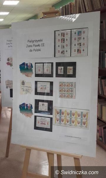 Żarów: Święty Jan Paweł II na znaczkach pocztowych