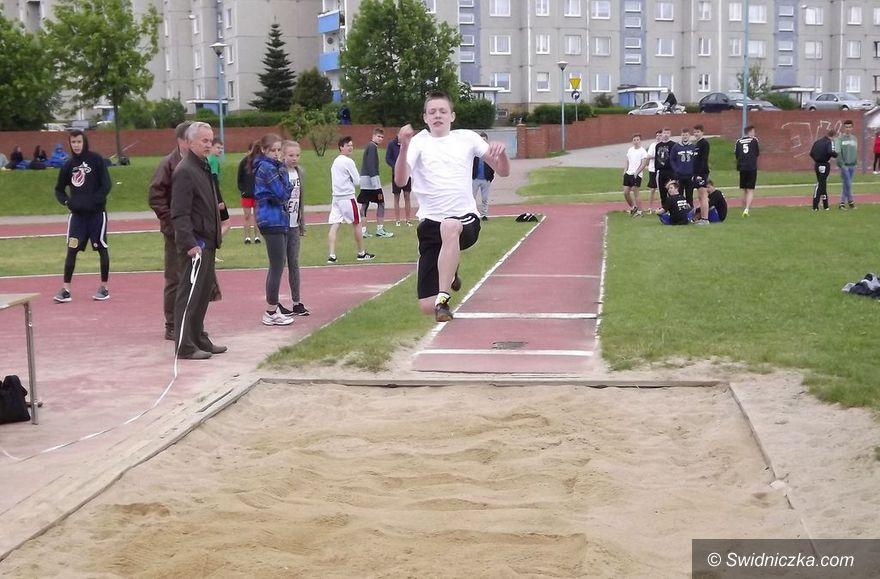 Świdnica: Gimnazjaliści startowali w lekkoatletyce