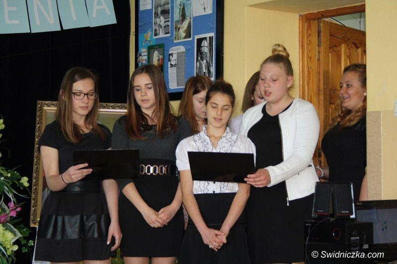 Goczałków: X Rocznica nadania Imienia Jana Pawła II  gimnazjum w Goczałkowie