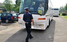 Świdnica: Policjanci sprawdzają autokary
