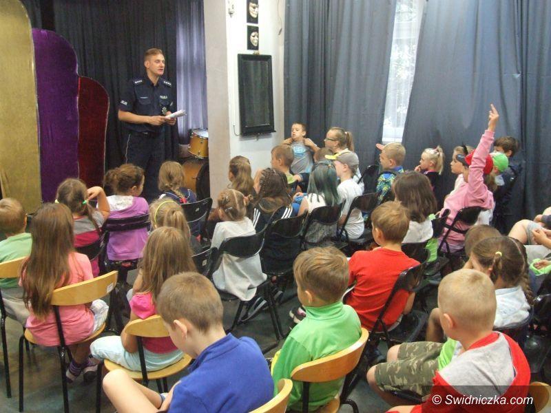 Świdnica: Edukacyjne spotkanie policjanta z najmłodszymi