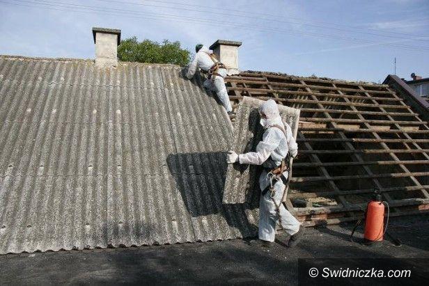 Dobromierz: Systematycznie usuwają azbest