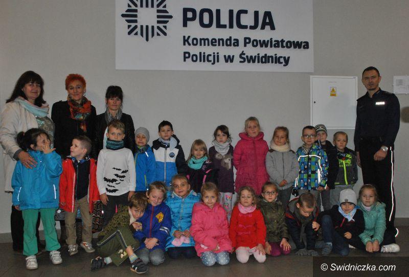 Świdnica: Przedszkolaki z wizytą w Komendzie Powiatowej Policji w Świdnicy
