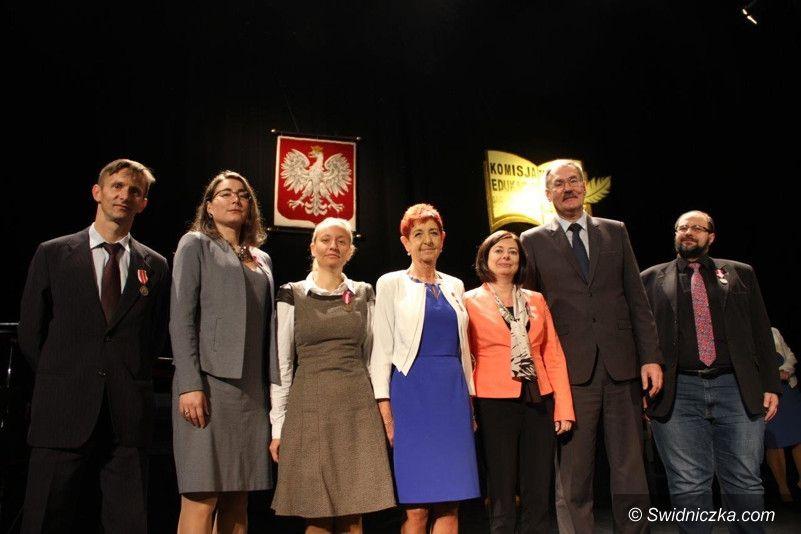 Świdnica: Medale dla nauczycieli Zespołu Szkół Mechanicznych