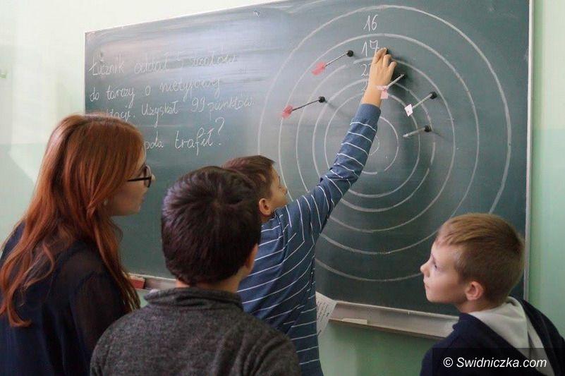 Strzegom: Festiwal Nauk w strzegomskim LO