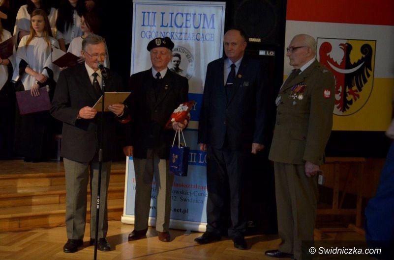 Świdnica: Orlęta Lwowskie i Cichociemni – patronami Kół Historycznych w III LO