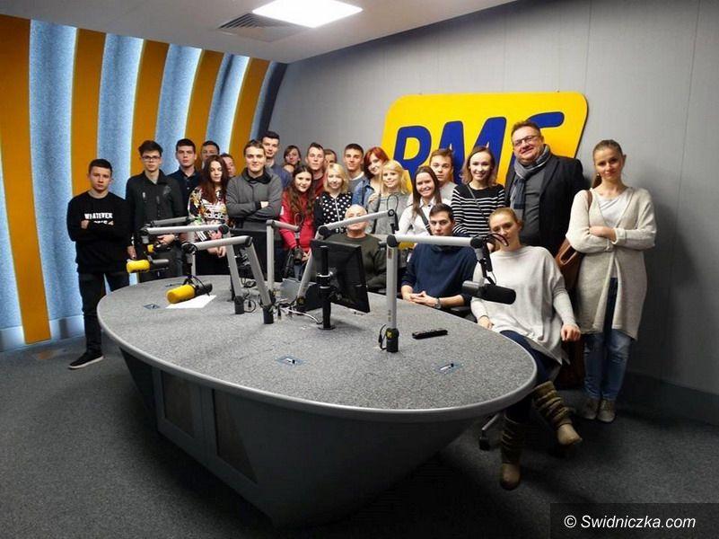 Strzegom: Klasa dziennikarsko–medialna strzegomskiego LO na projekcie edukacyjnym w Krakowie
