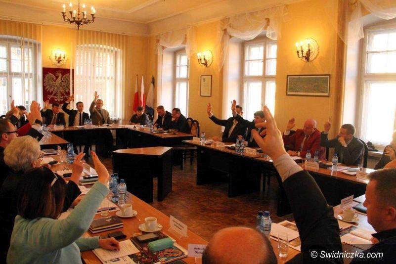 Świebodzice: Radni podjęli uchwałę o przejęciu szkoły zawodowej