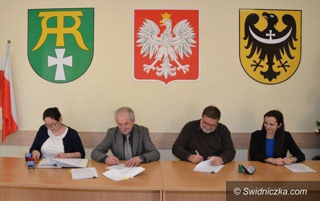 Marcinowice: Umowa na budowę przedszkola podpisana