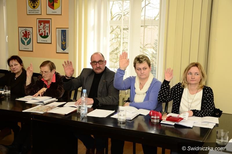 Żarów: Projekt dostosowania sieci szkół na sesji Rady Miejskiej Żarowa