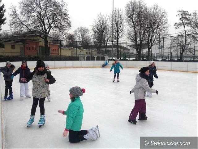 Strzegom: Sportowo na lodowisku