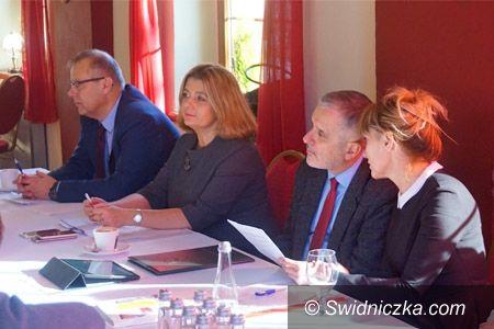 REGION: Owocne obrady szefów gmin Aglomeracji Wałbrzyskiej w Bartnicy