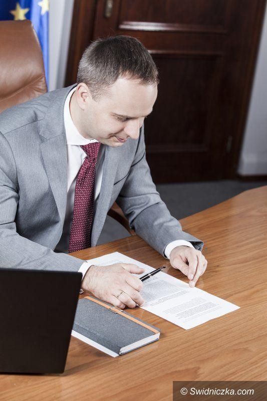 powiat świdnicki: Umowy na remonty dróg podpisane