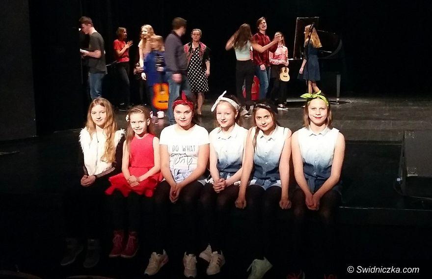 Gmina Świdnica: W Lutomi śpiewają po angielsku